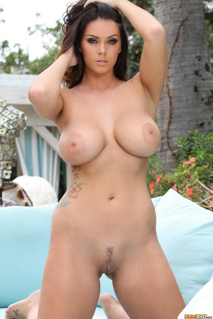 sexy naked at glastonbury